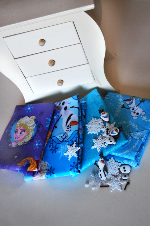 Frozen Jewelry Box @craftsavvy @mcca11 #craftwarehouse #frozen #doyouwantobuildasnowman #diy #kids #crafts