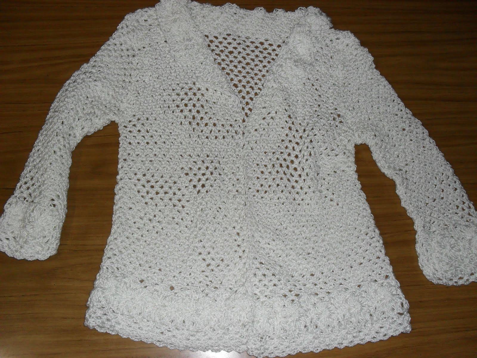 Saquito blanco calado tejido a crochet calado en punto red, con las ...