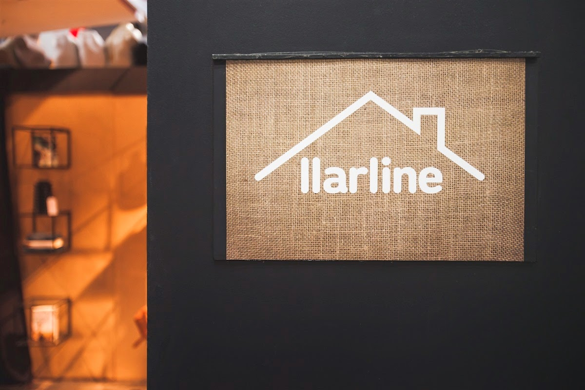 Escuela Superior Ártidi. Llarline pop up store, Barcelona