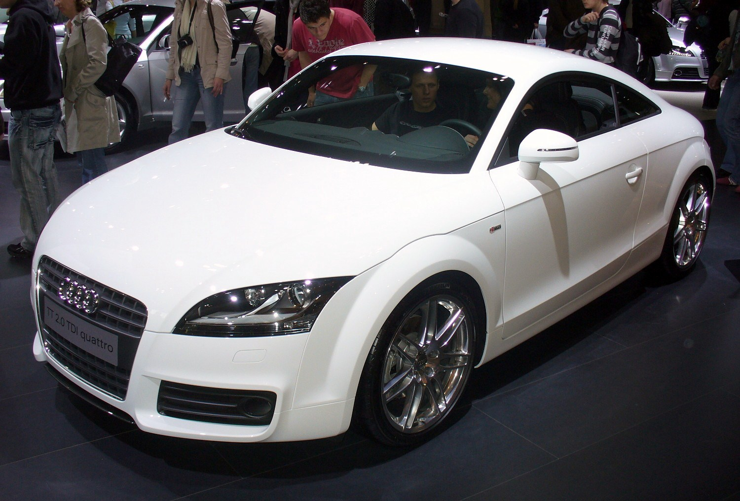 cars reviews wallpapers and etc audi tt quattro. Black Bedroom Furniture Sets. Home Design Ideas