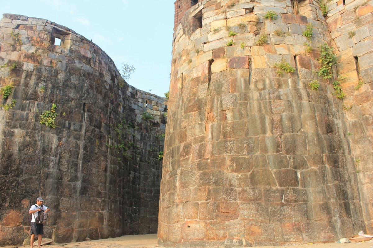 An ode to history a photo montage vijaydurg fort - Siddi Johar Was Warned By The Portuguese Who Had Lost Two Ships Near The Fort