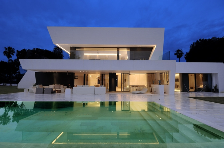 World of architecture 33 modern houses with pools for Modern day house designs