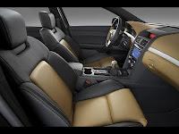 perawatan interior kulit mobil