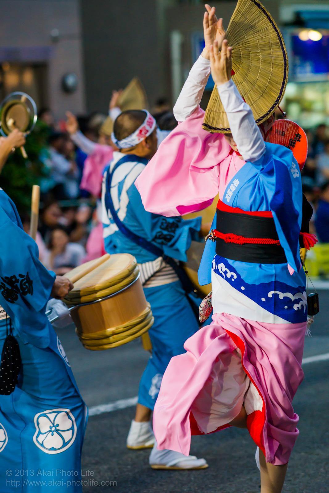 高円寺阿波踊り 志留波阿連の女踊り