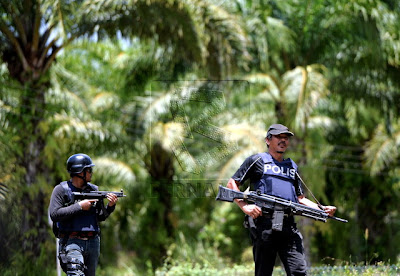 Gambar Polis Dan ATM Malaysia Berjuang di Sabah |