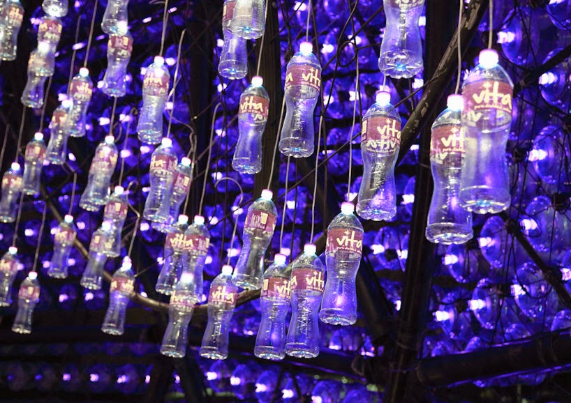 Instalacion con Botellas Recicladas y bombillas LED