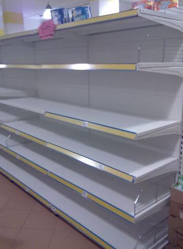 Catta vinni scaffali banchi frigo banchi cassa e for Banchi bar e arredamenti completi