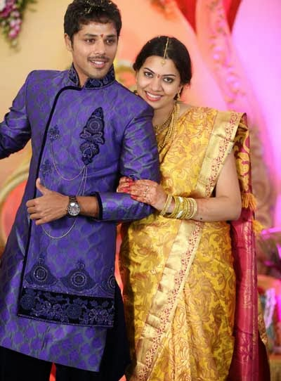 Geetha Madhuri and Nandu's Engagement Pics