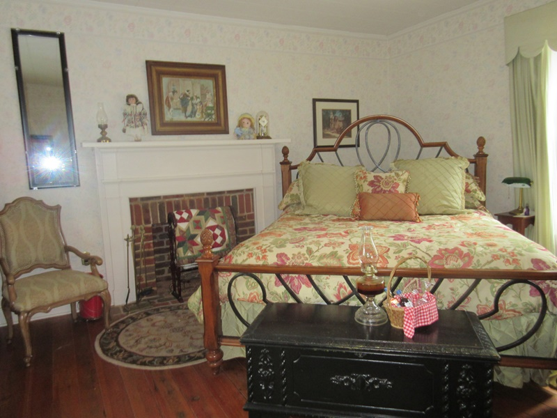 Beautiful It hasn ut changed much except for a wall border and a fancier bed My great grandmother had an old brass bed