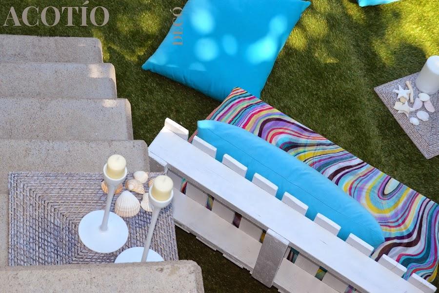 Small low cost muebles de jard n de palets decoraci n for Astillas de madera para jardin