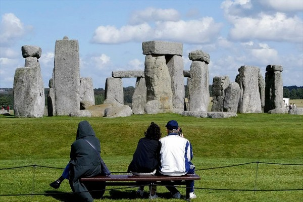 most famous unsolved mysteries of the world The Stonehenge