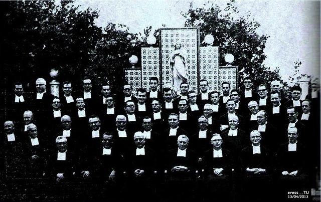 COMUNIDAD HERMANOS CRISTIANOS CON EL SUPERIOR GENERAL HNO. NICET JOSEPH EN EL I.PD. 1963.
