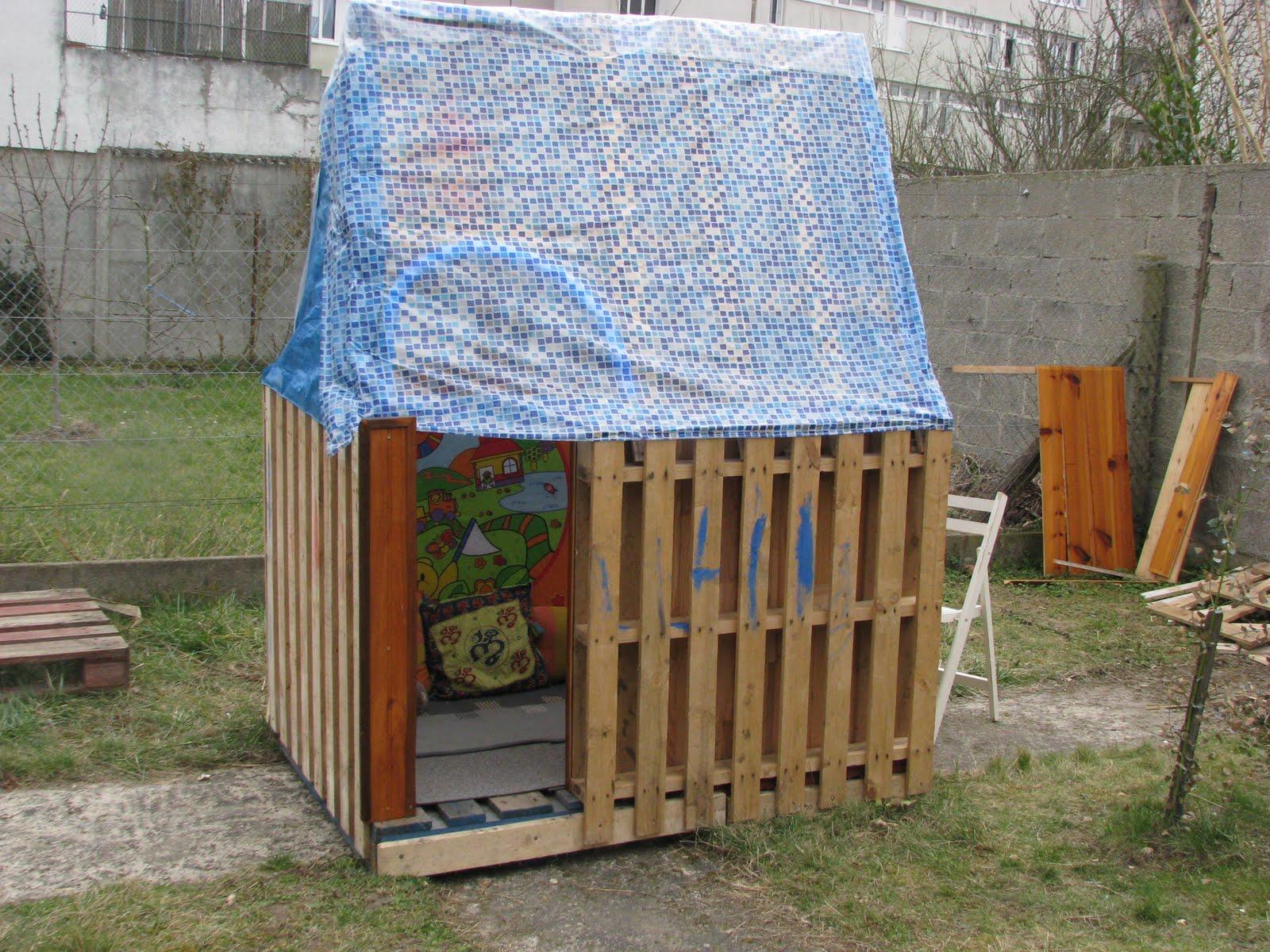 Coutures bidouilles cabane de jardin - Faire une cabane avec des palettes ...
