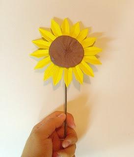 Bahan-bahan yang diperlukan untuk membuat origami Bunga Matahari tidak ...