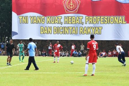 Panglima TNI Olahraga Bersama 3.150 Prajurit dan PNS TNI