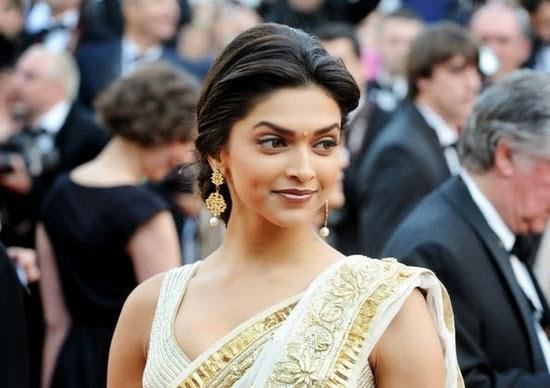 Deepika padukone in award