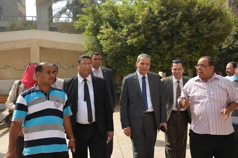 وزير التعليم خلال جولته بالمدارس ماتم اثارته سابقا من موضوعات سيعاد دراسته للصالح العام