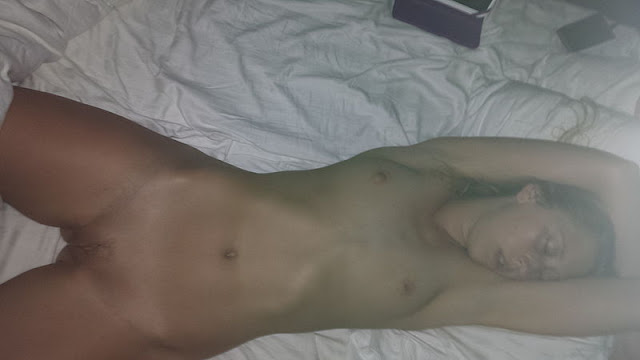 FotosNua.Com abusando da namorada