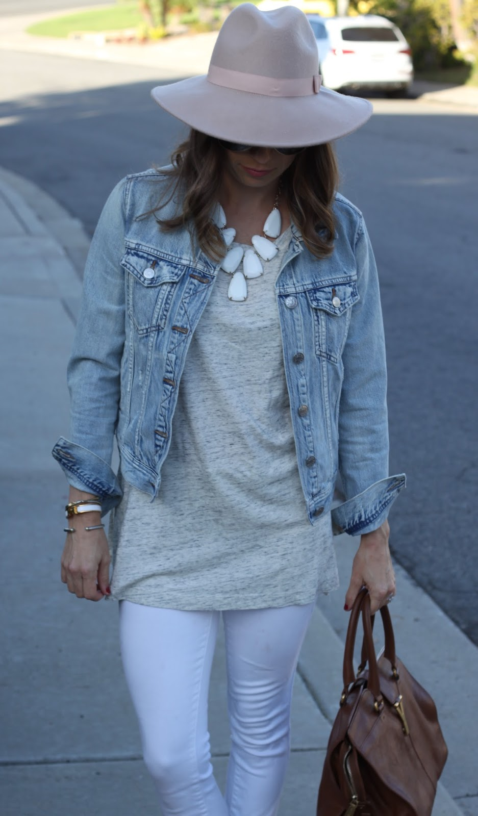 kendra scott harlow outfit