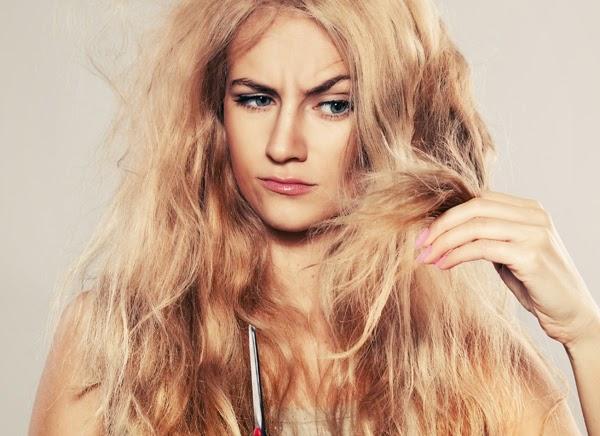 Penyebab Rambut Wanita Mudah Kering dan Rusak