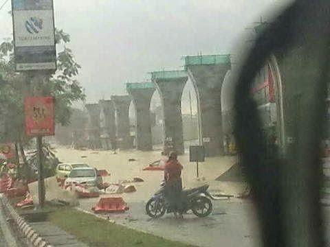 3 Gambar Banjir Kilat Di Cheras Leisure Mall 24 Ogos 2014