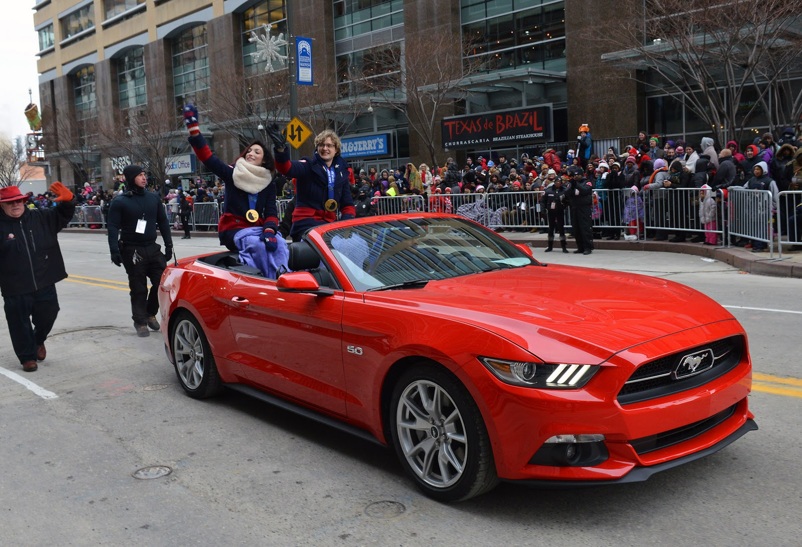 Fire Risk Prompts Ford to Recall 2015 Mustang