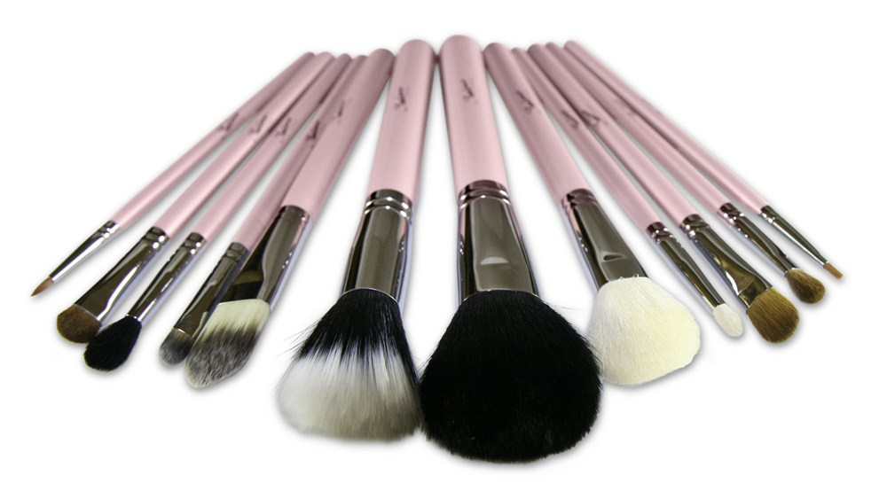 ulta makeup brushes. these natural designed bristles are best when used with sedona lace\u0027s ulta shimmer 88 palette/matte palette and the 120 pro first edition. makeup brushes