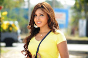 Komal Jha unseen photos gallery-thumbnail-9
