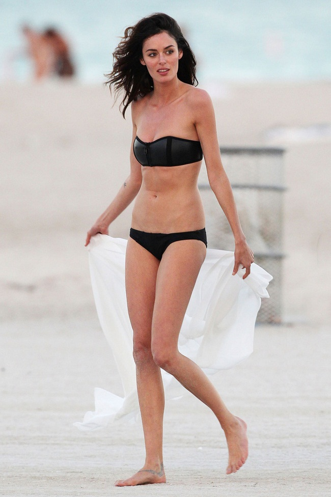 Nicole Trunfio in a black bandeau bikini in Miami