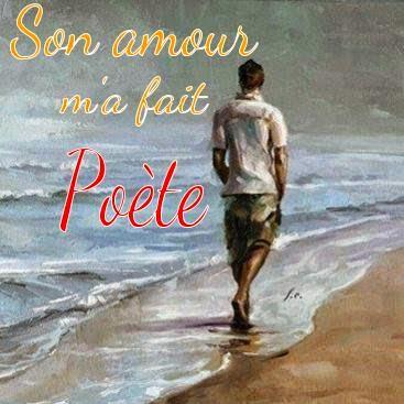 Photo d'un poète sur la plage d'amour