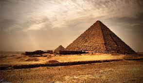 Как влияют пирамиды на человека?
