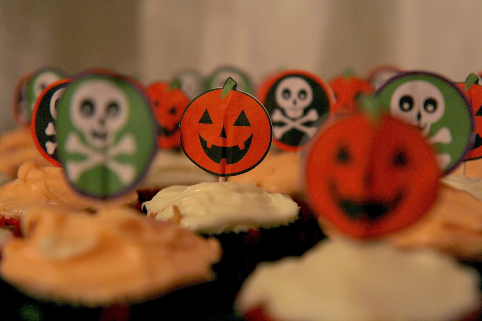 Pumpkin Cupcakes 3 - Spooky Glam Halloween Party