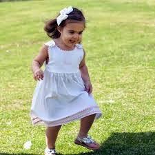 gambar bayi cantik ceria