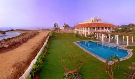 http://neemranahotels.com/palaces-india