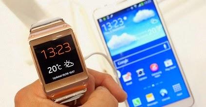 Smartwatch dari Samsung dengan OS Android Wear