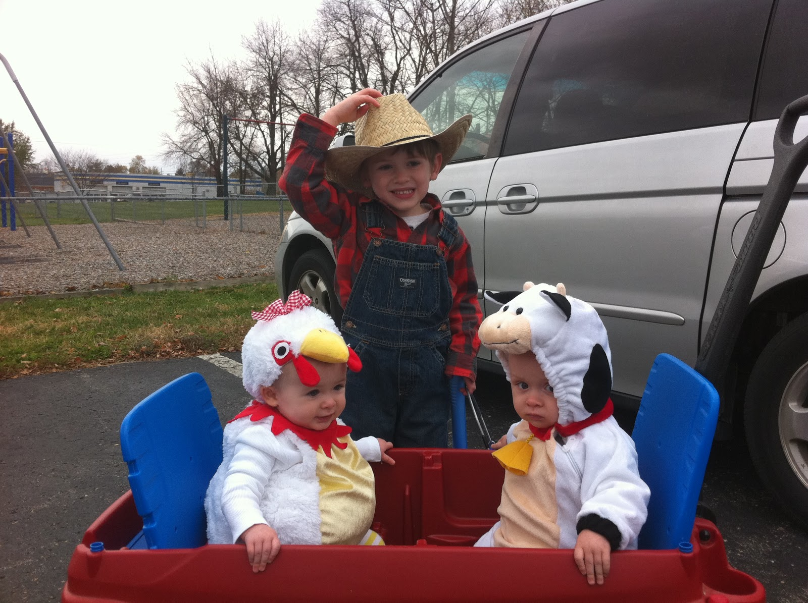 Snyder Stories: Snyder Circus Goes to the Farm.