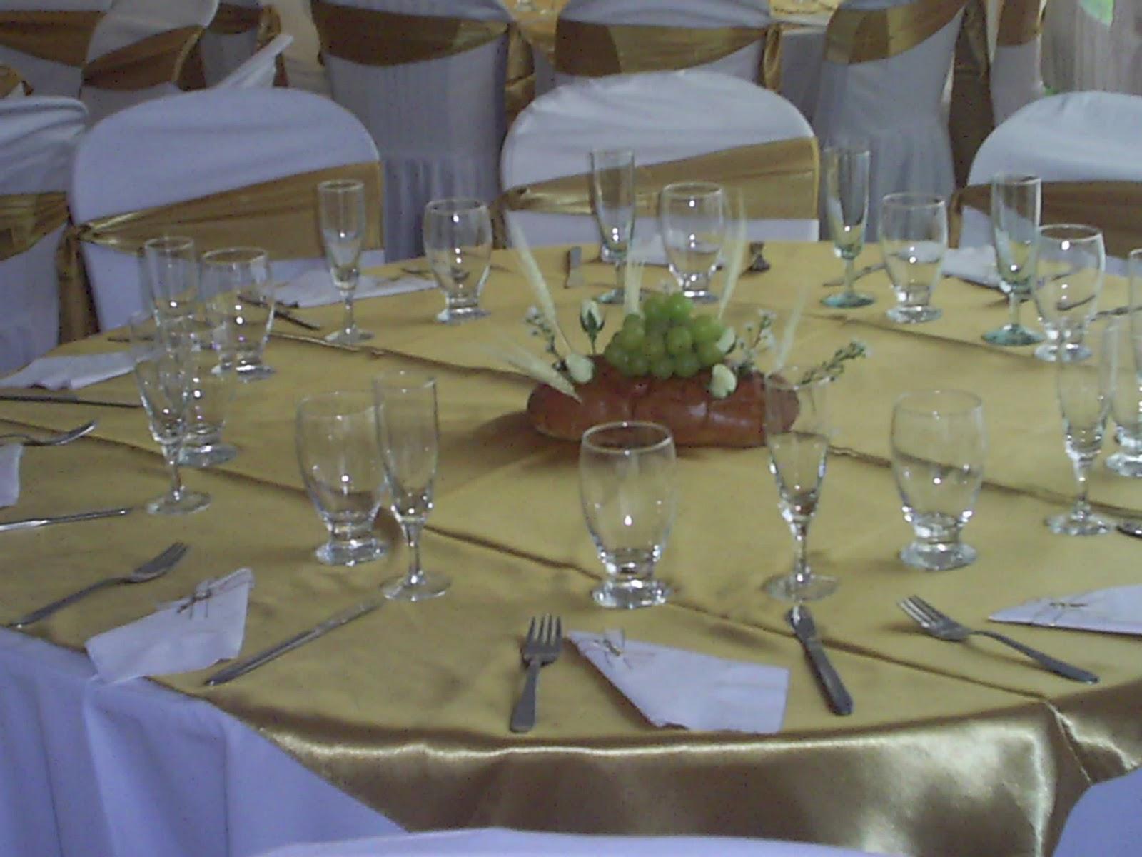 Centro d mesa d panes events planners by maria eva primera for Mesa verona conforama