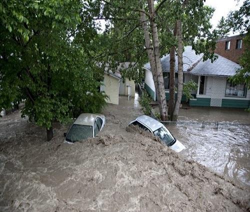 Alberta_flooding_photo_2013