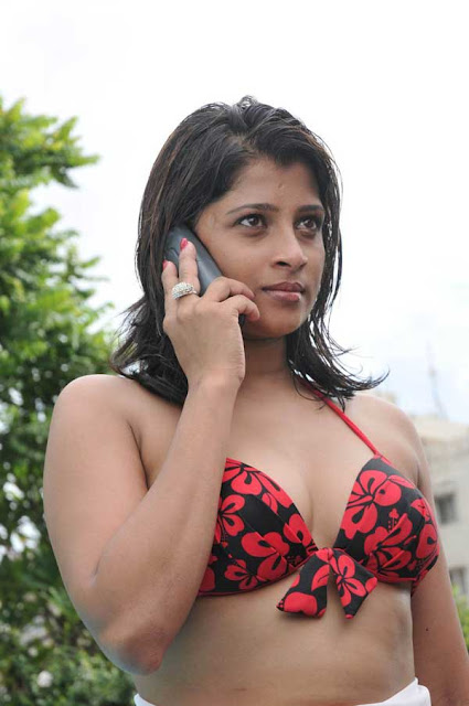 lanka actress Nadeesha Hemamali Bikini Photos