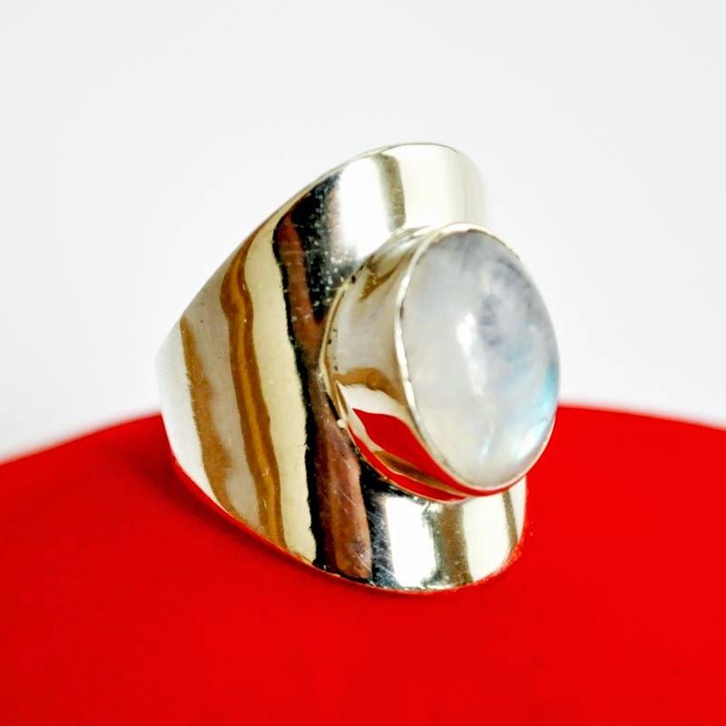 Comment nettoyer ses bijoux en m tal belle comme gemme - Nettoyer chaine en argent ...