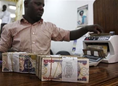 Dollar trades in upper 200 Naira in early Nigeria deals