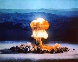 http://carienvermaakhistory.wordpress.com/2012/05/20/the-atom-bomb-and-how-it-affected-people/