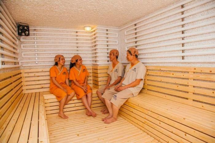 Golden Lotus Healing ở Quận 7 bắt buộc khách spa phải khỏa thân