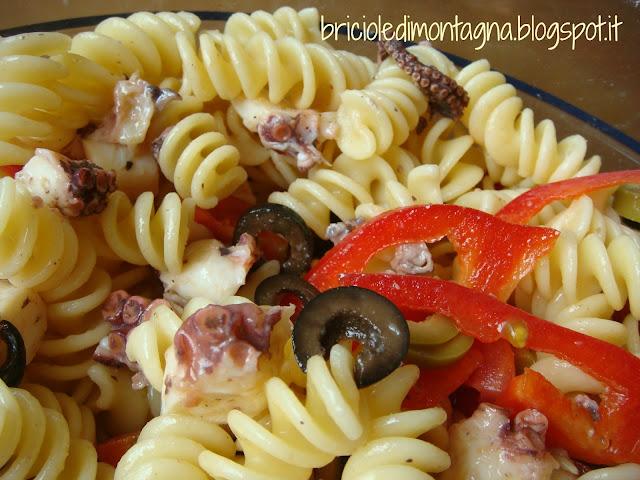 insalata di pasta con il polipo