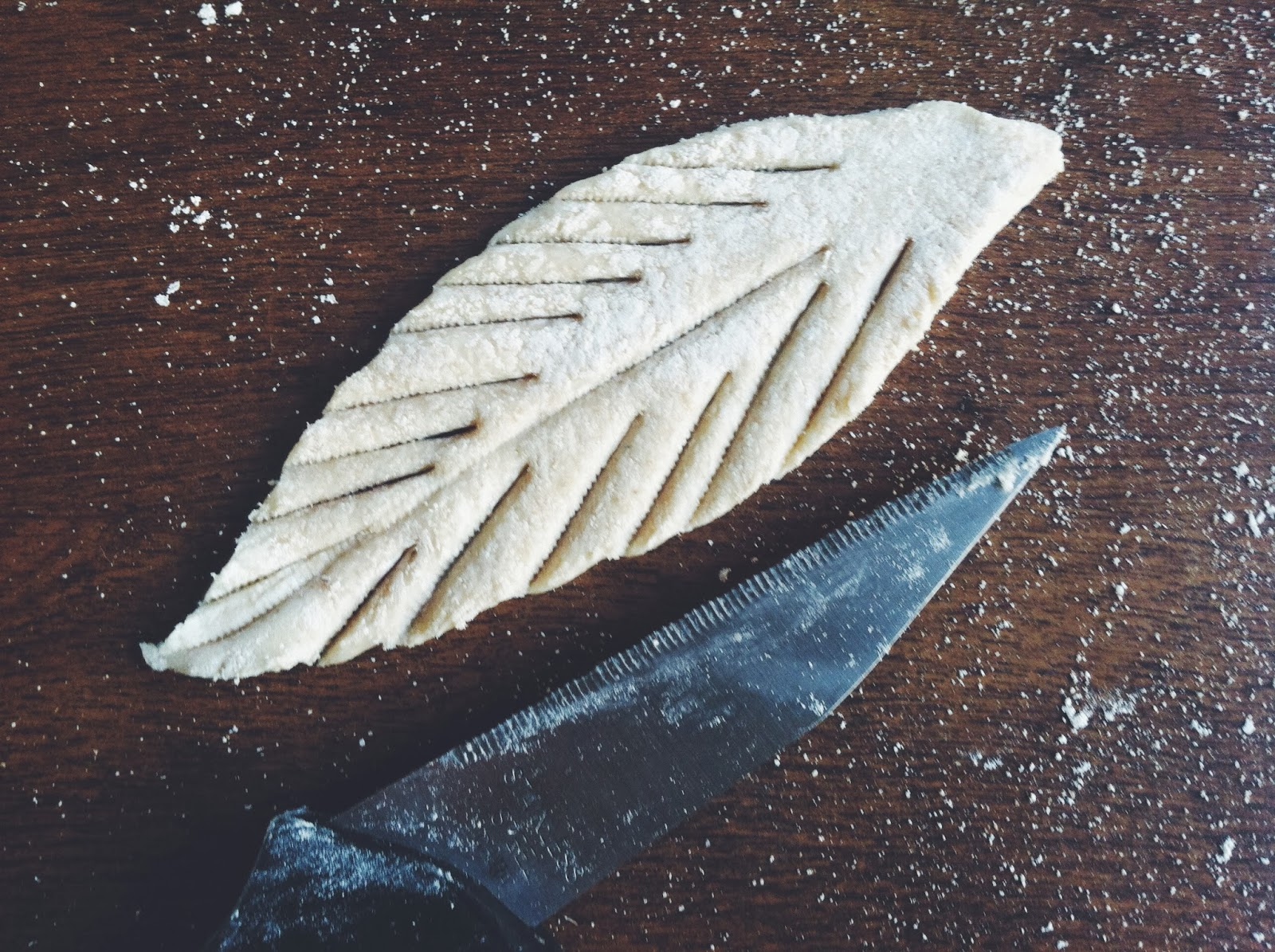 Pie Crust Leaf by Tara Jensen of Smoke Signals Baking @bakerhands