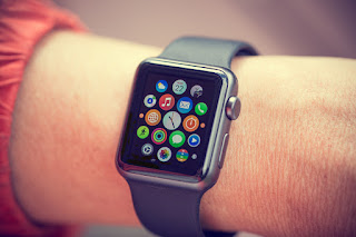 Smartwatch could lead to car accidents due to distracted driving
