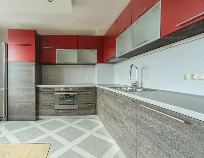 Кухня ПДЧ 2.50x2.80 червен мат и венге 2