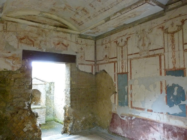 fresco walls inside Ercolano home