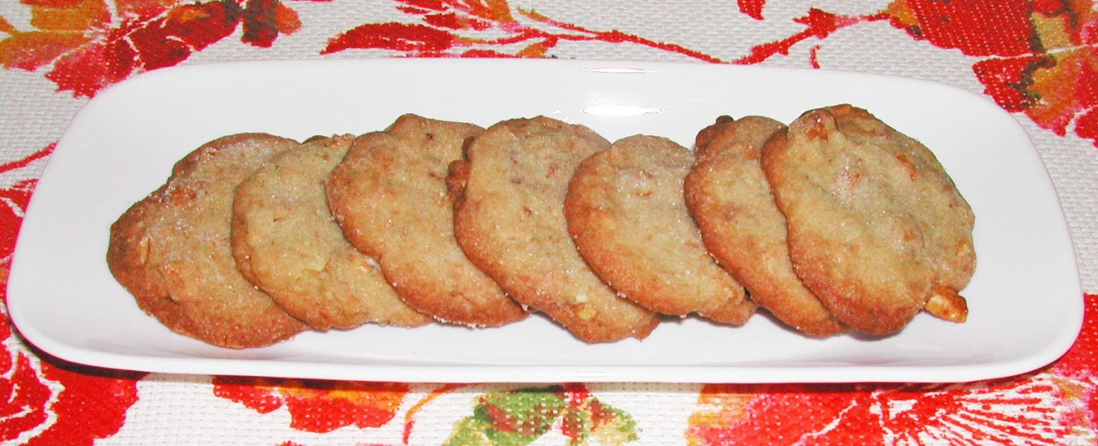 The Iowa Housewife: Honey Roasted Peanut Crisps