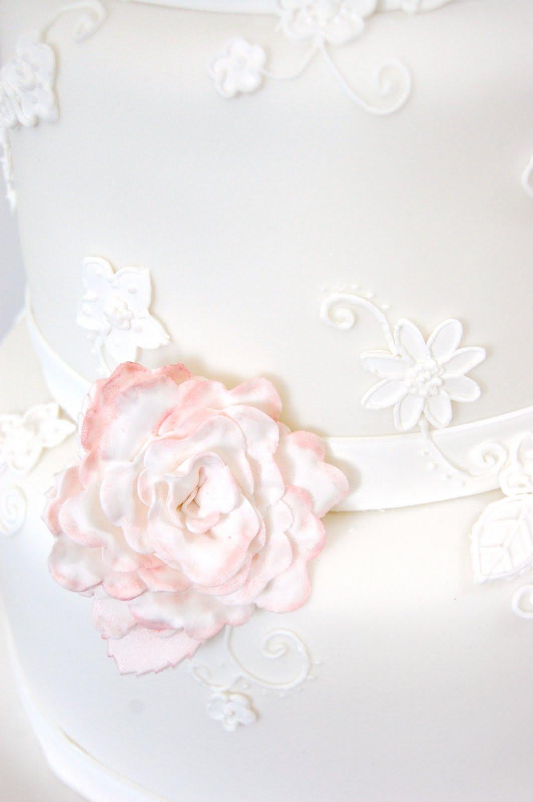 iced: Romantic Garden Wedding Cake 23 July 2011